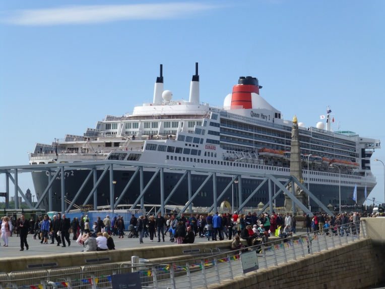 Queen Mary 2 at Liverpool