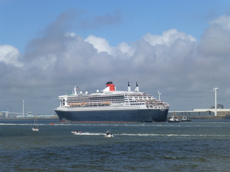 QM2 waves goodbye to Liverpool