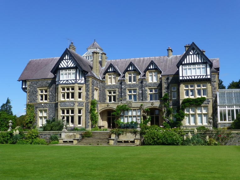 Bodnant Hall